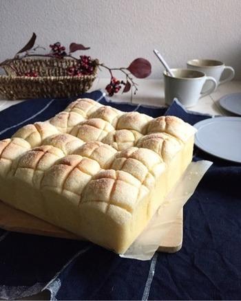 メロンパンもちぎりパンになっちゃいます。ぽこぽこ連なる小さなメロンパンが楽しい♪