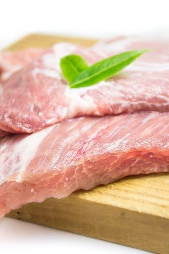 一方、豚肉はキャベツと一緒に食べる事で、合わせて栄養を摂ることが期待出来る食材です。