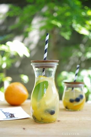 白ワインで作る、すっきりとした軽い口当たりのサングリアです。柑橘類のさわやかな甘さが白ワインにはぴったりなんですよ。