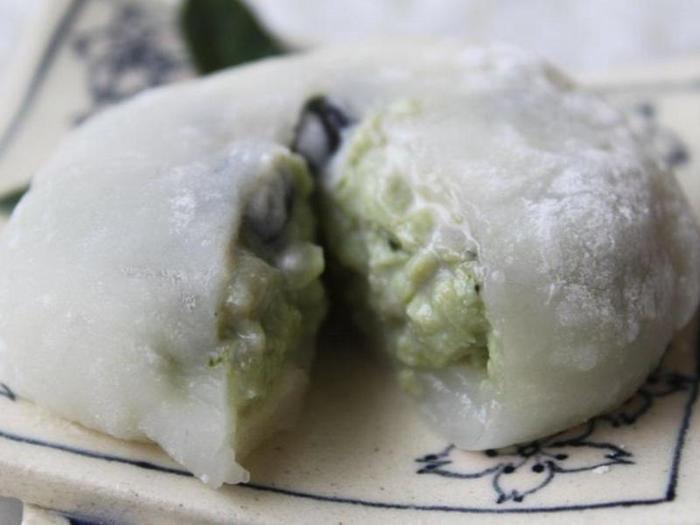 豆腐と豆乳で作った濃厚な抹茶味のクリームが新しいクリーム大福。ありそうでなかったスイーツですね。お家でクリーム大福が楽しめるなんて最高♪