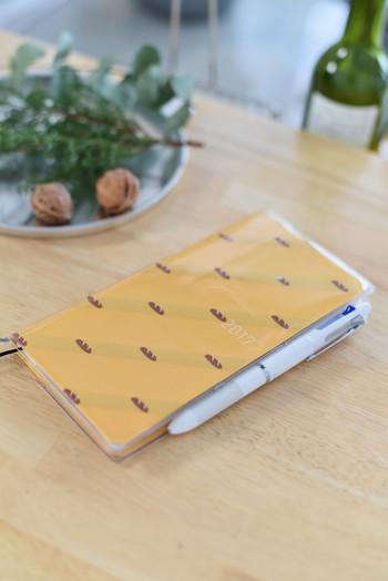 お腹が空いちゃいそうなかわいいパン柄も♪うきうきでスケジュール帳を開くたびに、楽しい予定でいっぱいになりそう。