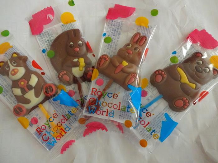 「ロイズポップチョコ」は、クマ・ウシ・リス・ウサギなどの北海道を代表する動物たちが可愛いチョコレート。このように千歳工場にある「ロイズチョコレートワールド」は限定商品のチョコレートが数多くあります。