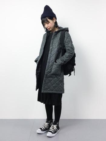 着心地はもちろん、見た目の可愛さも魅力的なラベンハムのコート。程よくトレンドを取り入れたお洒落なデザインは、ベーシックからトレンドまで様々なスタイルに活躍してくれます。こちらは上品&シックなツイード素材のコート。ニット帽・リュック・スニーカーの旬小物を合わせて、とっても今年らしい雰囲気です♪