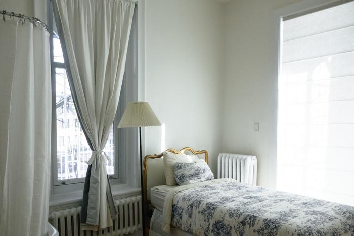 インテリアの邪魔になりにくいため、お部屋づくりをしたい方にはおすすめの暖房器具かもしれません。 日本の一般住宅にも導入可能ですので、興味のある方は是非導入してみてはいかがでしょうか?
