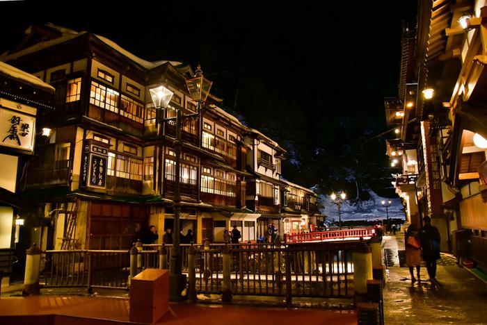 山形県の銀山温泉は「東の温泉情緒No1」にも選考