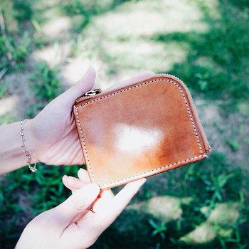 使用歴5年のヌメ革のお財布。ツヤが出て、より味わい深くなっています。