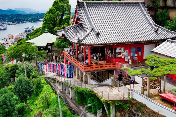 鐘楼の鐘の音は「日本の音風景100選」に選定されています。尾道港を一望しながら、鐘の音に耳をすませてみませんか?