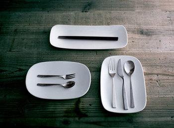 カトラリー皿にしてみたり、小物を置いてみたり…自由な発想で楽しみたいですね。