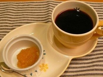 寒い冬にいつも常備しておきたい体がぽかぽか温まる「生姜ジャム」は、紅茶やホットワインにプラスするだけで特別な一杯に♪