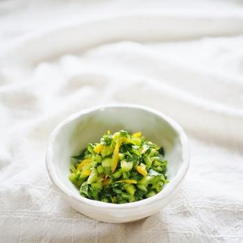 刻んで袋に入れて揉んで完成!置かなくてもすぐにおいしく食べられます。柚子の香りが爽やかで、濃い味の主菜のお供としてぴったりの副菜です。