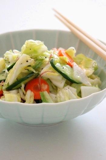 浅漬けにすると、大根や他の野菜の甘みがグッと増してよりおいしくなります。冷蔵庫でしっかり冷やすと味がよく馴染みます。