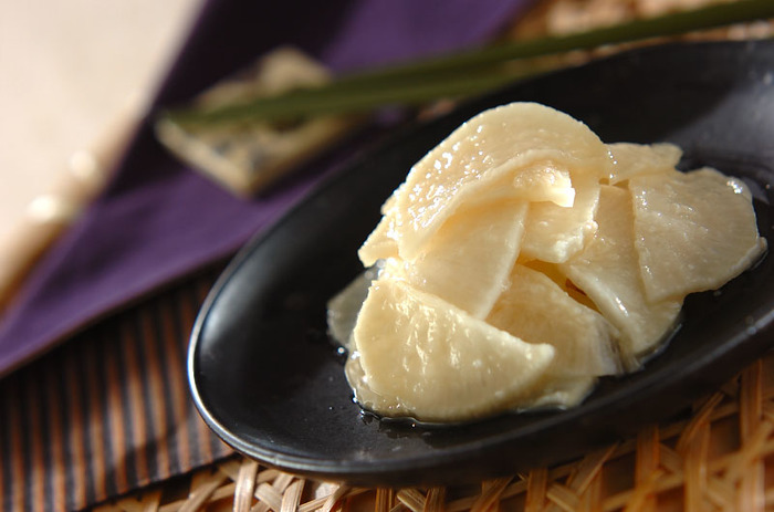簡単にできる、塩気と甘みがほどよいお漬物。保存する際は、冷蔵庫に入れる前に水分をよーく切りましょう!