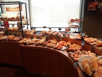 種類が豊富なので、好みが違う家族や友人同士で訪ねても、必ず好きなパンを見つけることができるのがいいですね。