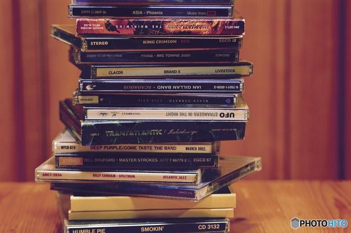 クラシックやボサノバ、ポップスなど人にはそれぞれのお気に入りの音楽があります。自分の好きな曲を聴いて、朝が来たということを体に理解させると、だんだん朝起きるのが苦ではなくなっていくかもしれません。