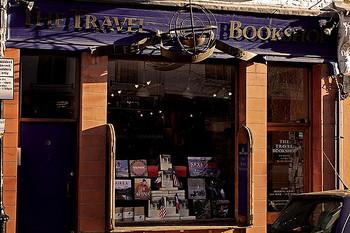写真は、ウィリアムの本屋「THE TRAVEL BOOKS Co.」のモデルになった「THE TRAVEL BOOKSHOP」
