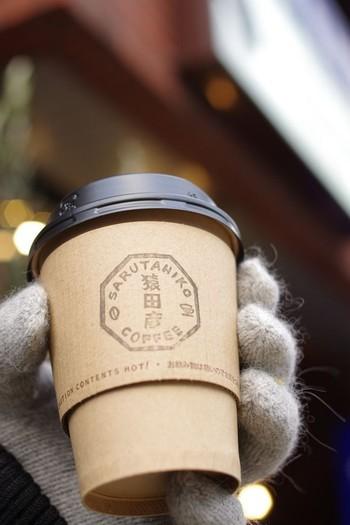 スペシャルティコーヒーを紙コップで飲んでもいいじゃないかという面白いコンセプト☆ オフィス街ということもあって、テイクアウトのお客さんも多いみたいです。