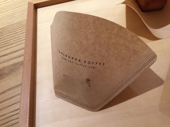 コーヒーフィルターがお店のショップカードに…♡ つい手にとってしまいます。