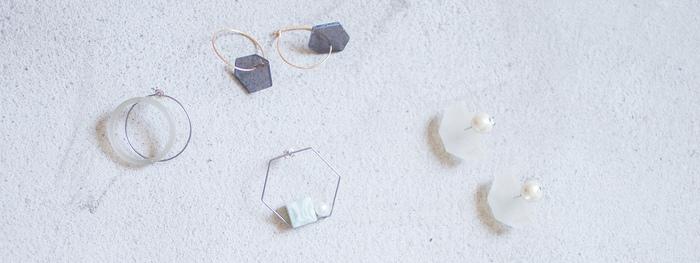 鯖江産の眼鏡から生まれた、透明感と幾何学的なデザインが素敵なSur(サー)のアクセサリー
