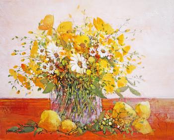 「レモン」・・・白いマーガレット、そしてオレンジ色のテーブルが強いコントラストを与える黄色いブーケとレモン。
