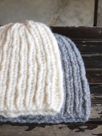 ニットブランド「マイアミ」の手編みニット帽は、ドイツ・ベルリン発のブランド。ざっくりと編んだアルパカのふんわり感が魅力です。1枚あれば安心のアイテム!