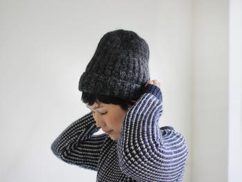 """アクセントにも、主役にも。「帽子」でつくる""""デザイン別""""コーデスナップ"""