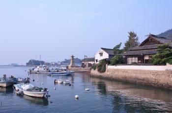 「崖の上のポニョ」や「流星ワゴン」でも有名になった、鞆の浦も福山市にあります。昔ながらの建造物などが多く残っている、ノスタルジックな街並みがみられます。