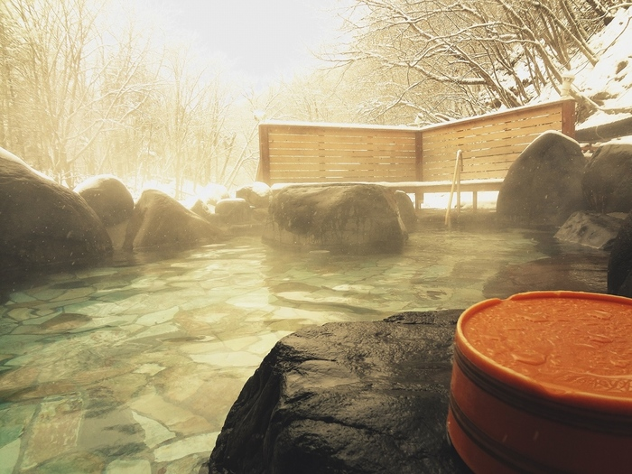 寒さが厳しくなってくると、温かい温泉が恋しくなってきますよね。そんな寒い冬の旅行には、ぜひ温泉宿で体の芯からじんわり温まって、心も体もリフレッシュさせてみませんか?