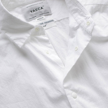 YAECAのシャツは留め外しのしやすいスナップボタンを採用しています。コンフォートの言葉通り、「安心感」「快適さ」を徹底的に追及した結果です。