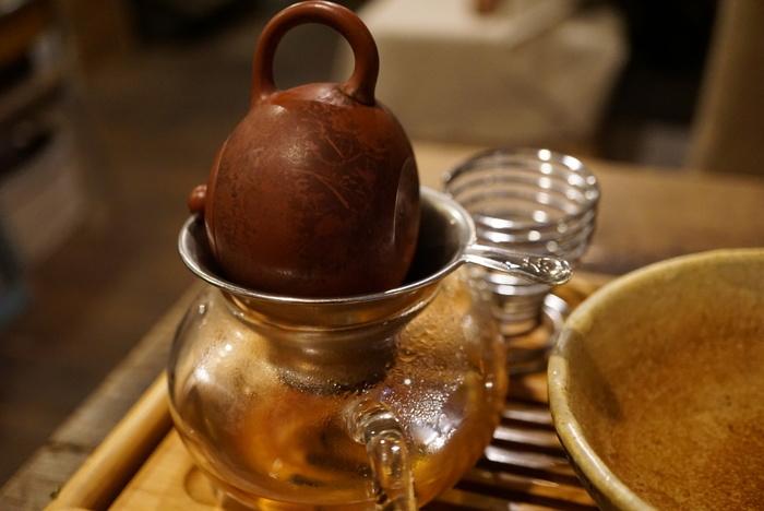 お茶の種類がとても豊富なお店で、紅茶、日本茶、台湾茶など、世界の様々なお茶が楽しめます。
