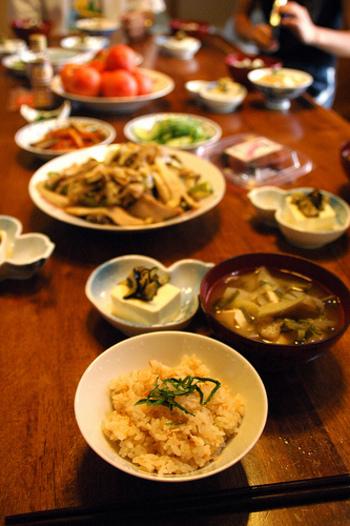 【季節別】旬の食材を使った炊き込みご飯レシピ集