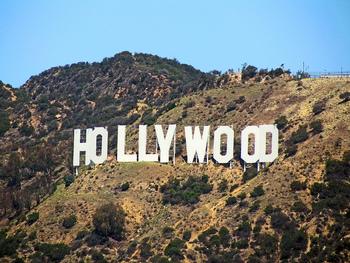 スペイン語で「Angels:天使達」という意味の名を持つこの街には、高級ブランドショップが立ち並ぶビバリーヒルズの「ロデオドライブ」や映画で有名な「ハリウッド」など注目を集める観光スポットがたくさんあります。