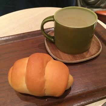 中、小ありますが、どっちもかる〜いパンではないので小さい方でも朝なら十分満たされます。