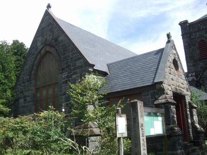 栃木県日光市本町にある石造りの教会です。他の教会とは全く違った雰囲気があるので、参列者へのインパクト大ですよ。