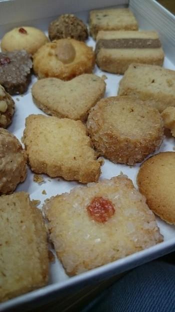 神戸マダムに支持される、美味しさには定評があります。 バターの香りが漂うサクサクのクッキーです。