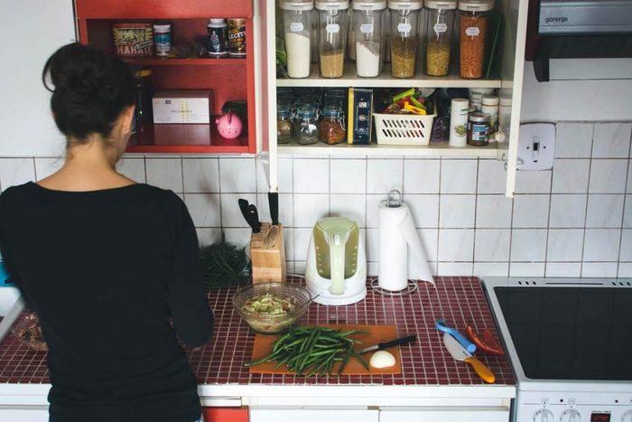 お料理女子に大人気の「お弁当作り」。朝、料理をすると脳の血流が良くなり、心身ともに活性化されると言われています。集中力が高まるうえ昼食代の節約にもなり、続ければ料理の腕も上がりますよ☆