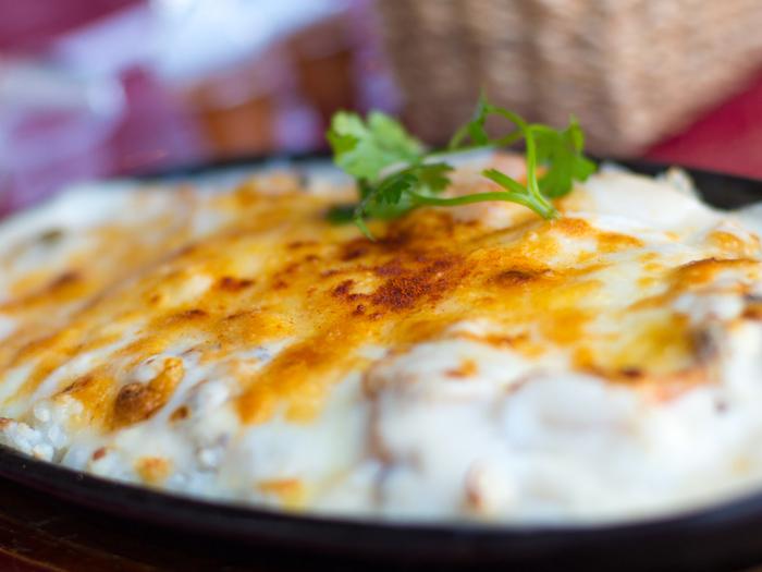とろ~りチーズがたっぷりのった熱々クリーミーなの『グラタン』や『ドリア』、はふはふ食べるのが幸せですよね。女性も男性も大人も子供もみんなが大好きな冬の料理、上手に作れるようになっちゃいましょう!