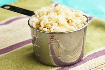 そのため、玄米はカルシウム、食物繊維、ビタミンやミネラル、食物繊維などを白米よりも豊富に含んでいます。栄養満点の玄米。普段の食生活に取り入れている方も多いのではないでしょうか…