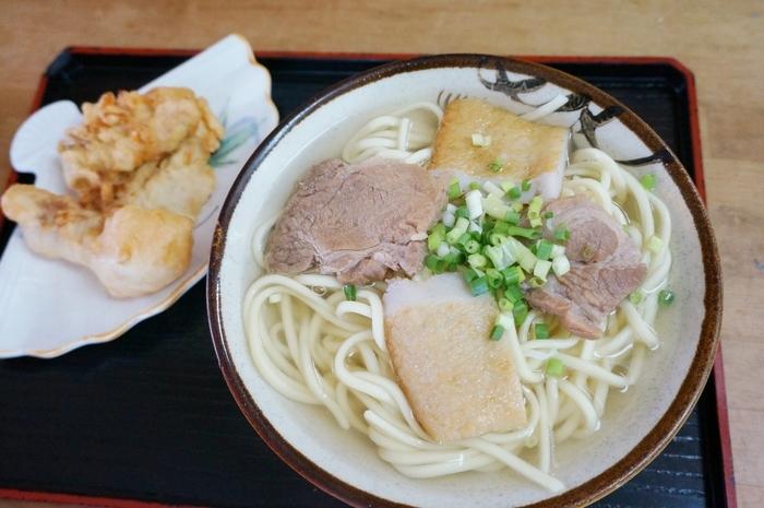 宮古そばもとってもおいしい。天ぷらがセットになっているお得なセットもあります。