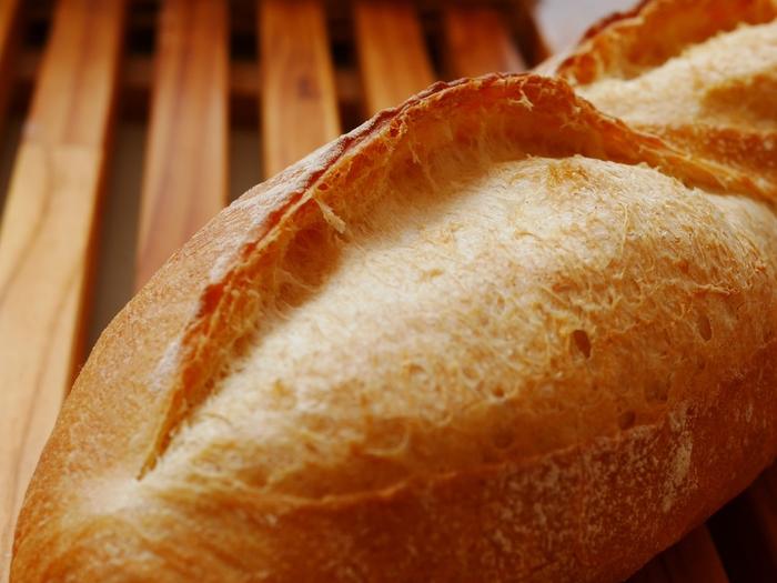 そのまま食べても美味しいフランスパンですが、こんな食べ方をするともっと美味しくなるかも?
