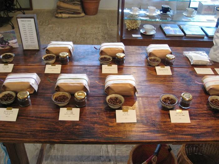 豆の種類も様々…  ひとつひとつメモが添えてあり、心づかいを感じますね♪