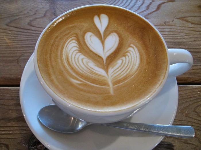 現在は喫茶は営業していないそうですが、コーヒー豆やコーヒー器具の販売をしています。 立ち飲みですが、店内でコーヒーを飲む事も出来るそうなので、じっくりマスターにお話を聞きながら、自分のお気に入りのコーヒー豆を選んでみてはいかがでしょうか…