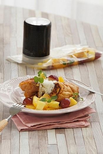フルーツなどを添えれば、デザートにもぴったり。 乾燥して硬くなったフランスパンにも利用できるアレンジなので便利です!