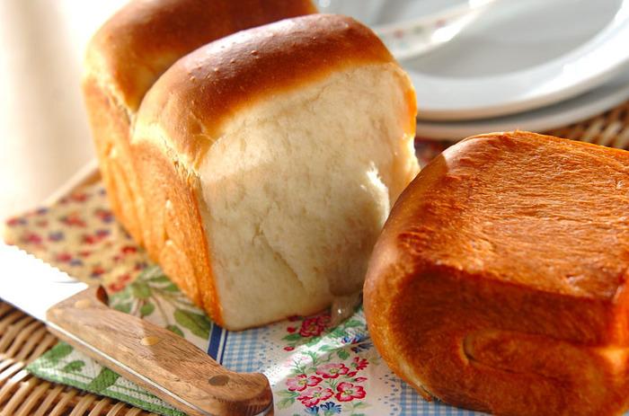 いかがでしたか? シンプルだからこそ、ちょっとした変化でも違いを感じられるのが食パンの魅力です。お好みはもちろん、その日の気分や調理方法で変えてみるのも楽しいですよ。素敵なパンライフのために、ぜひ【食パン豆知識】をお役立てください♪