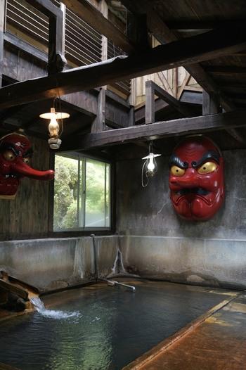 北温泉には、最も知られる「天狗の湯」他、合計で9つもの湯船があります。  【画像は、北温泉の中で一番知られる「天狗の湯」。秘湯マニア垂涎の湯です。】