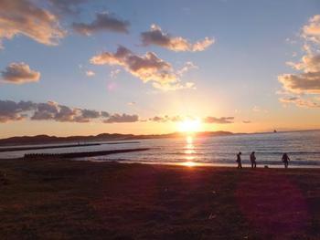 千葉県館山市にある夕日スポット、北条海岸。 南房総の残された貴重な自然を望む絶景です。