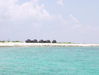 ナガンヌ島はなんと無人島!! でも設備はきちんと整っているから安心ですよ☆