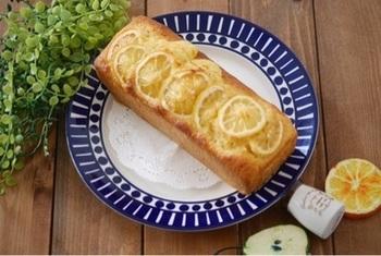 爽やかな香りのレモンのパウンドケーキ。 クラッシックなお菓子は誰にでも喜ばれそうですね。