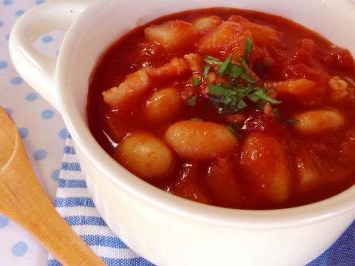 豚小間と大豆の食べるスープは、栄養たっぷりで朝ごはんにもぴったり。おかわり必至の一品になりますよ♪