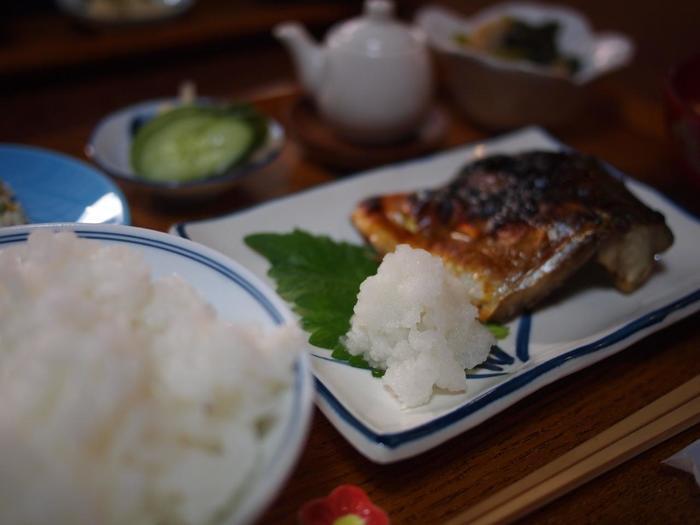【町家カフェ「ろじうさぎ」の『焼き鯖定食』】