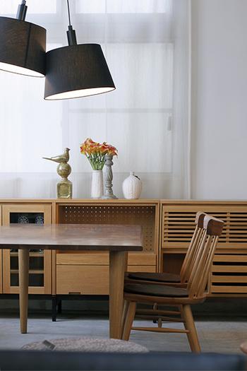 日々の暮らしをちょっぴリ贅沢にするような名品家具もセレクト。シンプルでモダンなソファやテーブルなど、オリジナル家具も人気です。